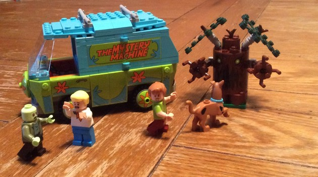 LEGO Mystery Machine with minifigures
